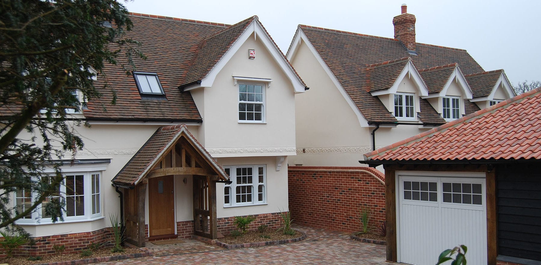 Lifestiles - Handcrafted Autumn Clay Roof Tiles - Bergholt, England