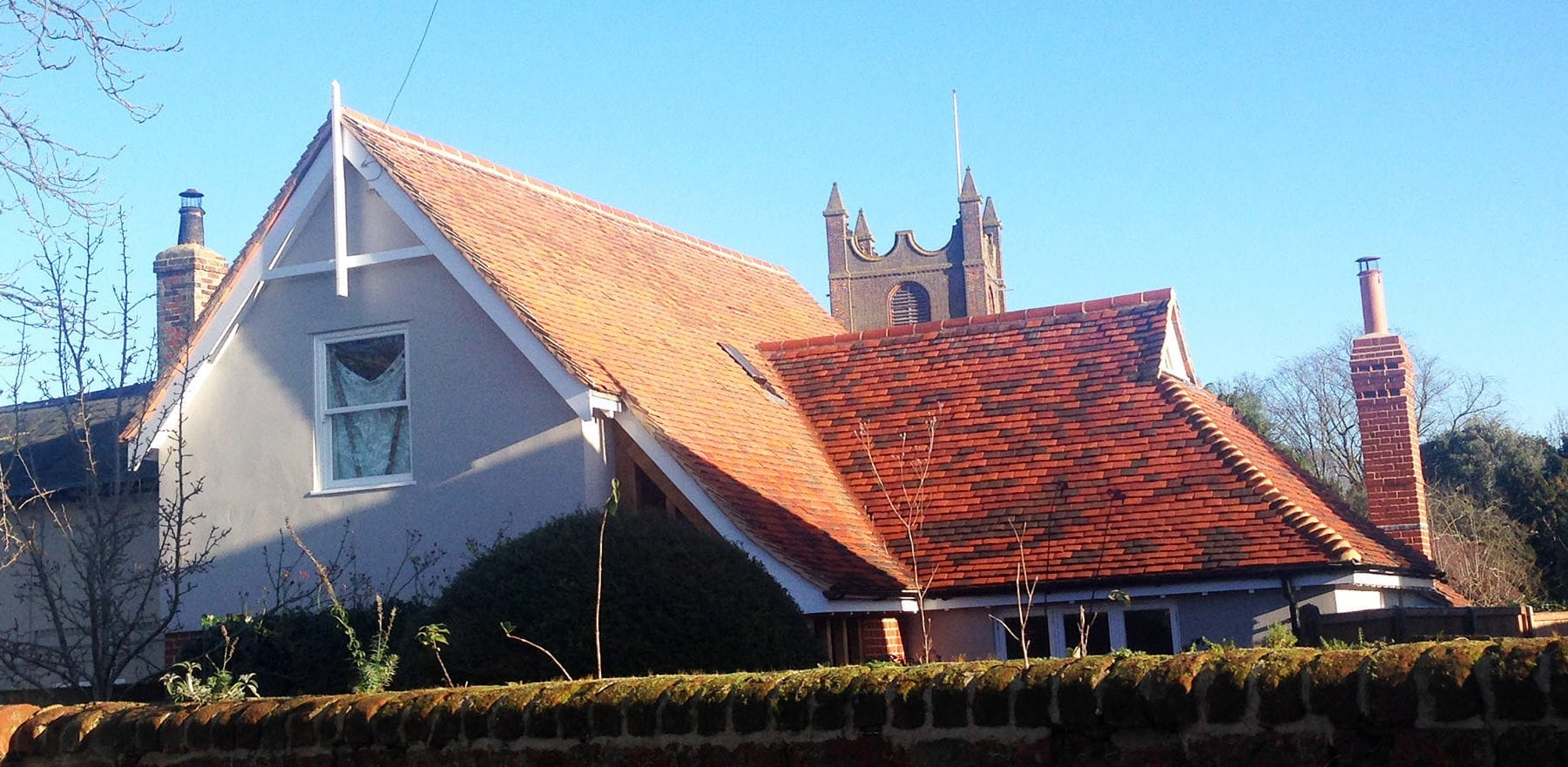 Lifestiles - Handcrafted Tilehurst Clay Roof Tiles - Toppesfield, England