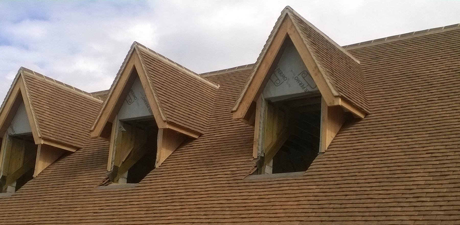 Lifestiles - Handcrafted Foxearth Clay Roof Tiles - Oxford, England