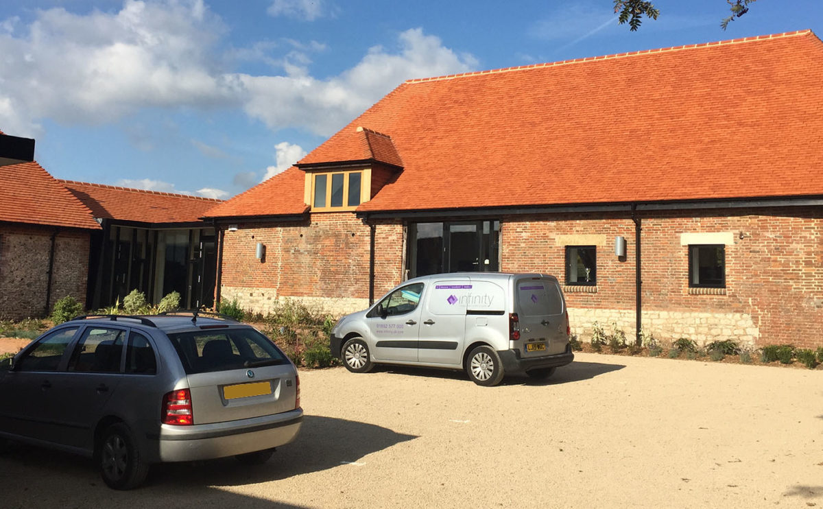 Lifestiles - Handcrafted Pentlow Clay Roof Tiles - Petersfield, England