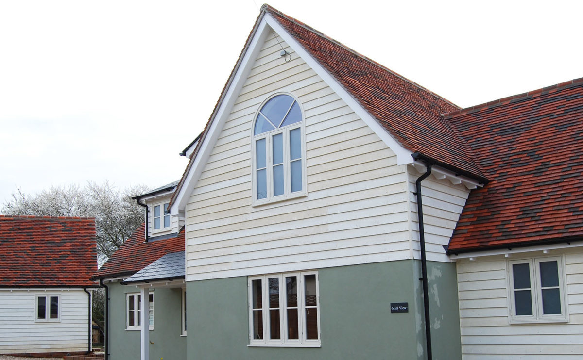 Lifestiles - Handcrafted Tilehurst Clay Roof Tiles - Cranbourne, England