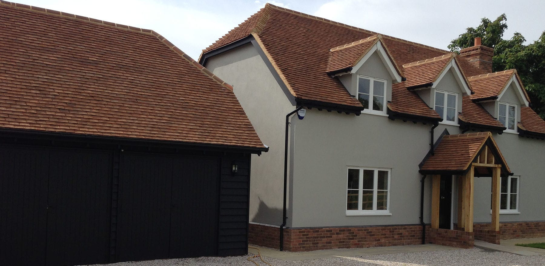 Lifestiles - Handcrafted Foxearth Clay Roof Tiles - Yeldham, England 2