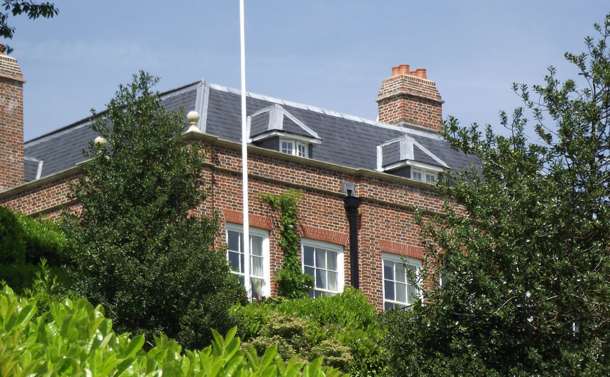 Lifestiles - Spanish Natural Slate Roof Tiles - Brook House, England