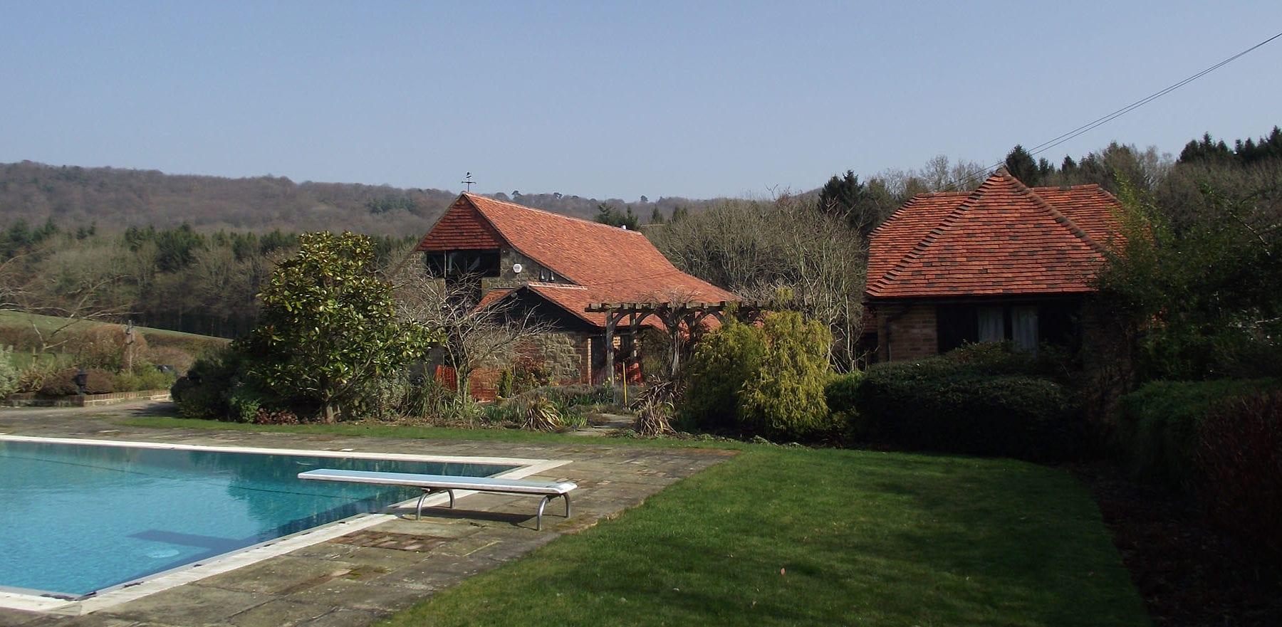 Lifestiles - Handmade Multi Clay Roof Tiles - Fernhurst, England 2
