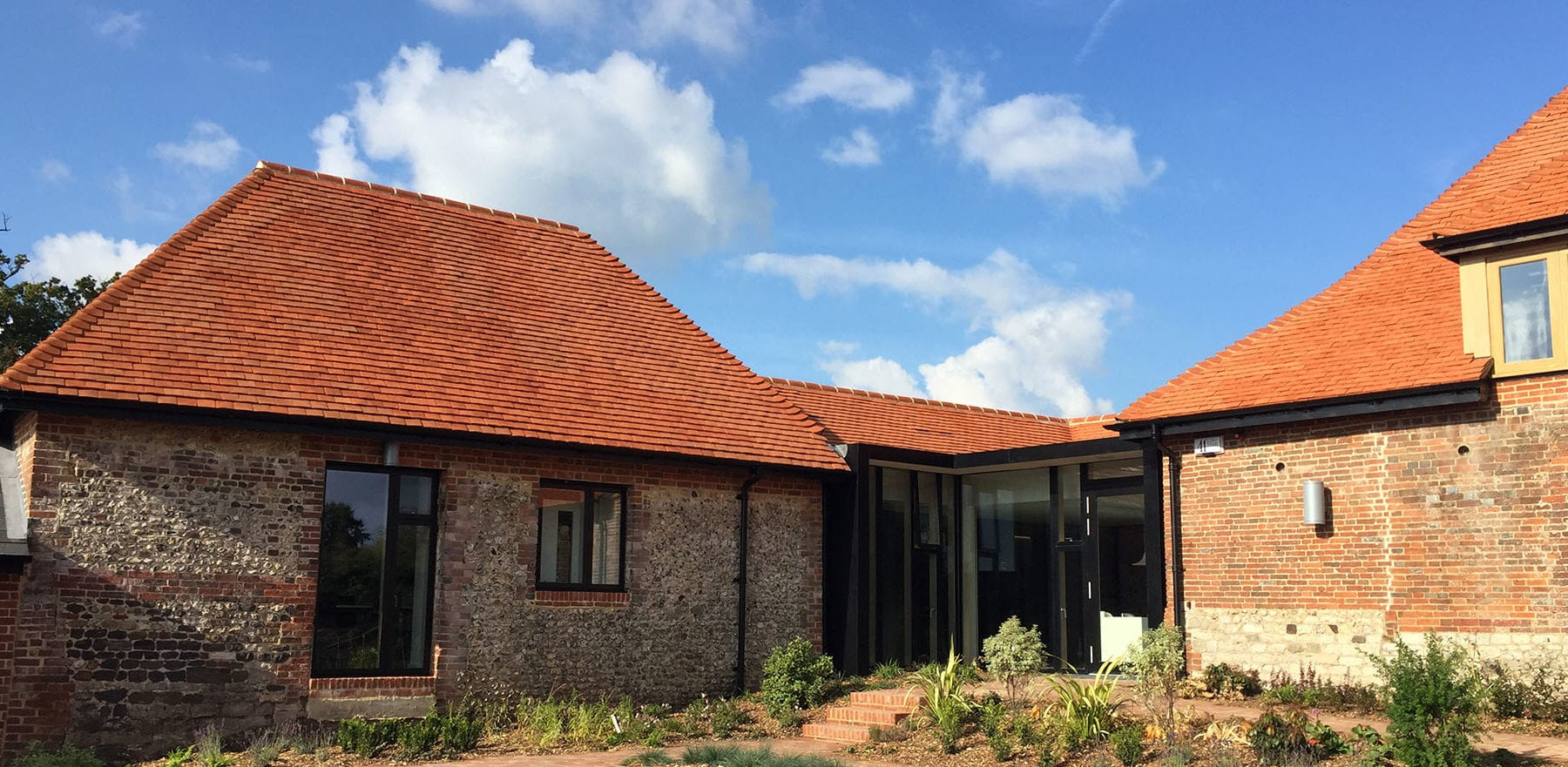 Lifestiles - Handcrafted Pentlow Clay Roof Tiles - Petersfield, England 3