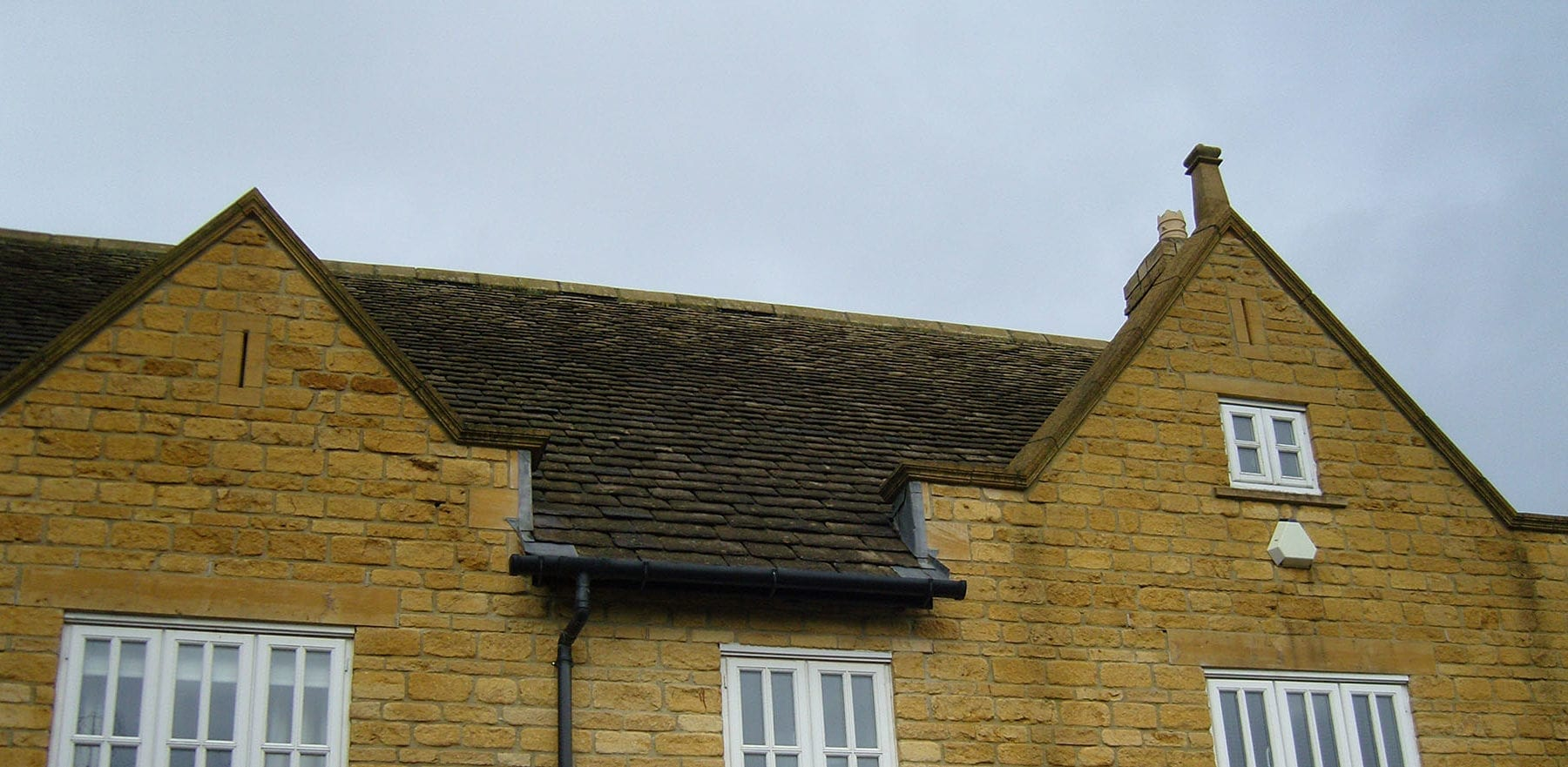 Lifestiles - Natural Stone Aged Roof Tiles - Cirencester, England 2