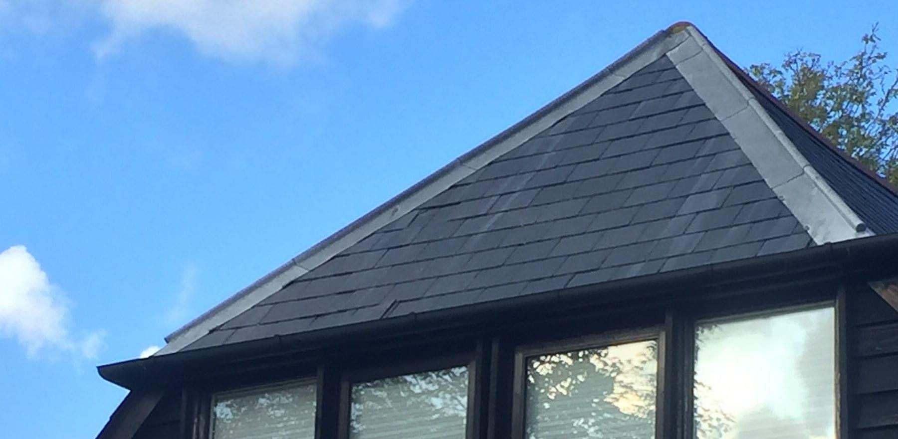 Lifestiles - Spanish Natural Slate Roof Tiles - Black Barn, England 2