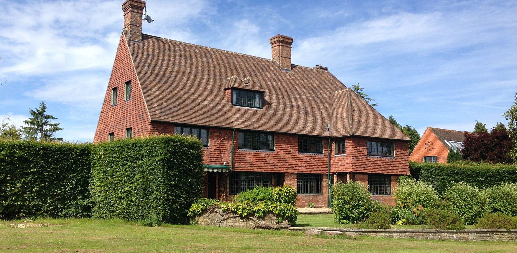 Lifestiles - Handmade Restoration Clay Roof Tiles - Poisenesters, England 3