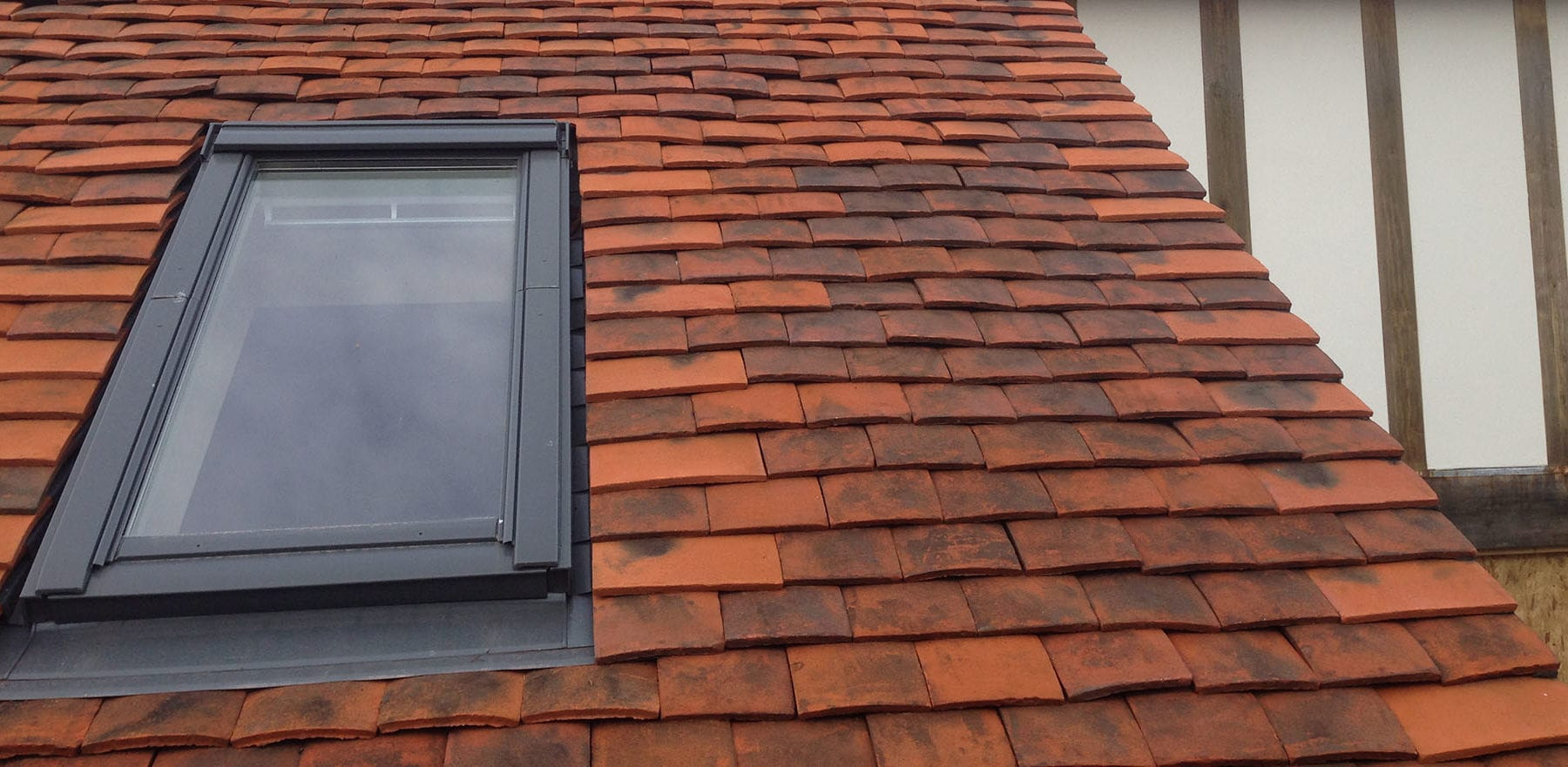 Lifestiles - Handmade Berkshire Clay Roof Tiles - Crowthorne, England 3