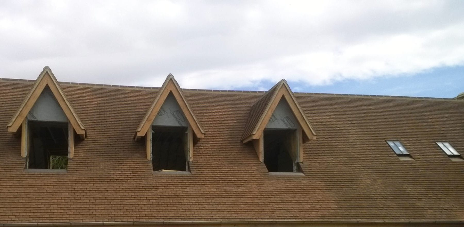 Lifestiles - Handcrafted Foxearth Clay Roof Tiles - Oxford, England 2