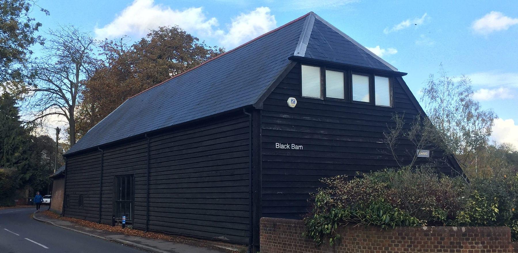 Lifestiles - Spanish Natural Slate Roof Tiles - Black Barn, England 3