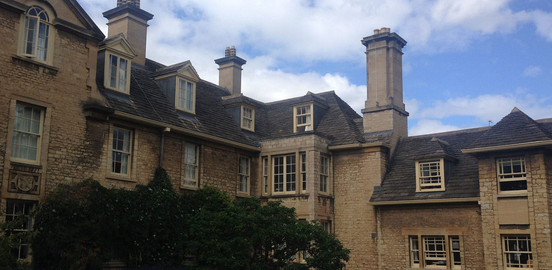 Lifestiles - Natural Stone Aged Roof Tiles - Somerville College, England 4