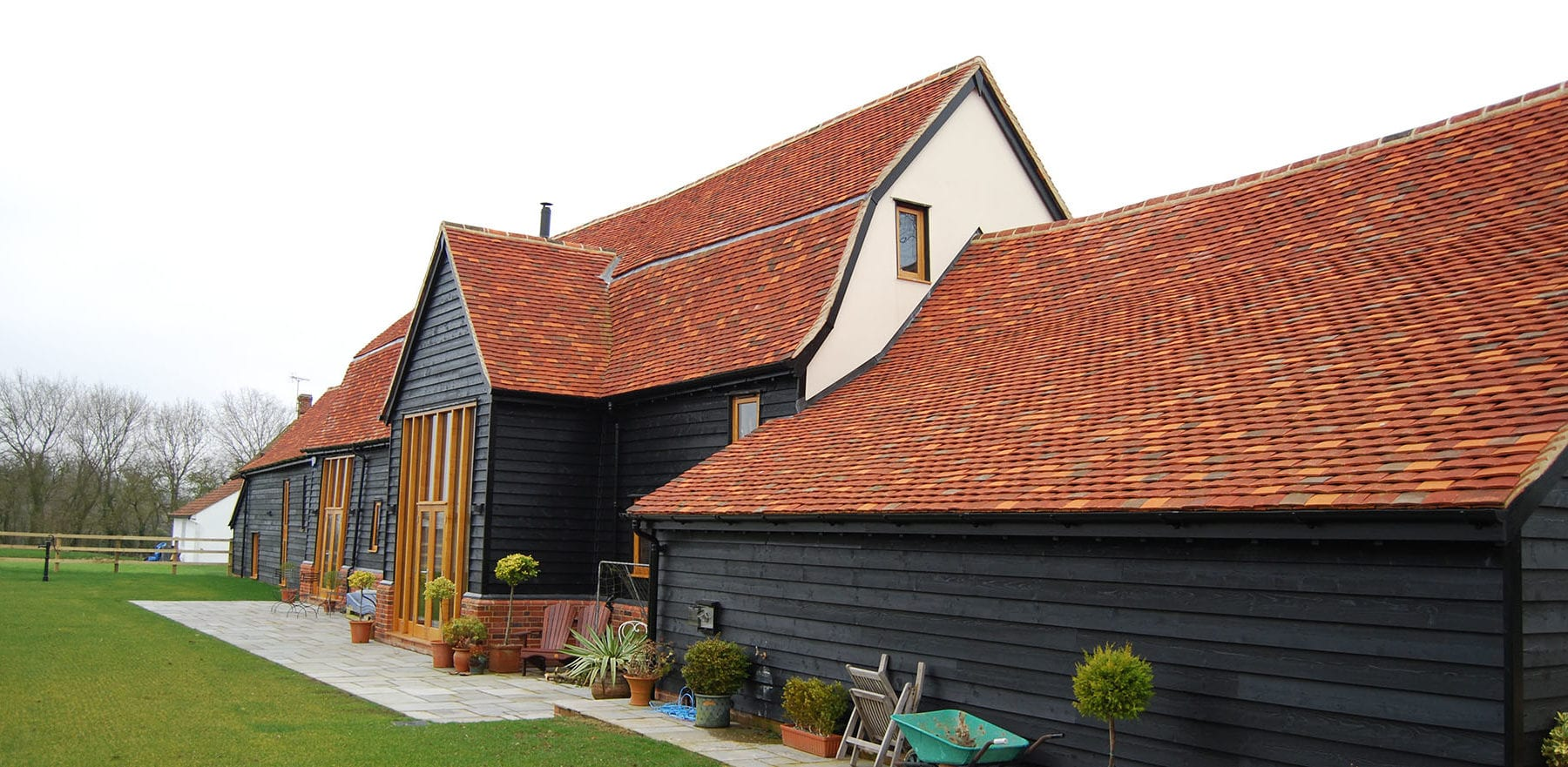 Lifestiles - Handmade Multi Clay Roof Tiles - Ford End, England 4