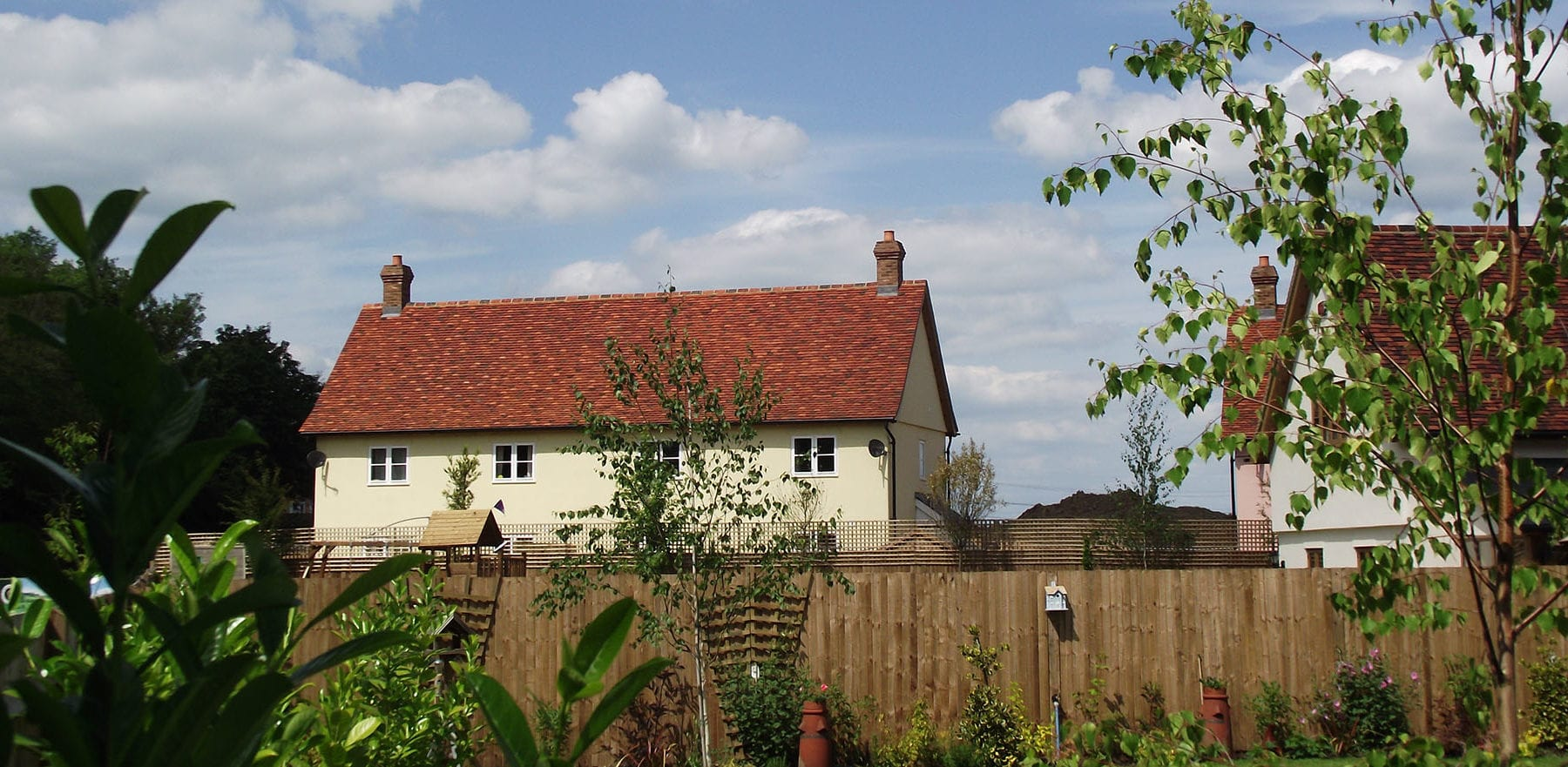 Lifestiles - Handmade Multi Clay Roof Tiles - Manuden, England 4