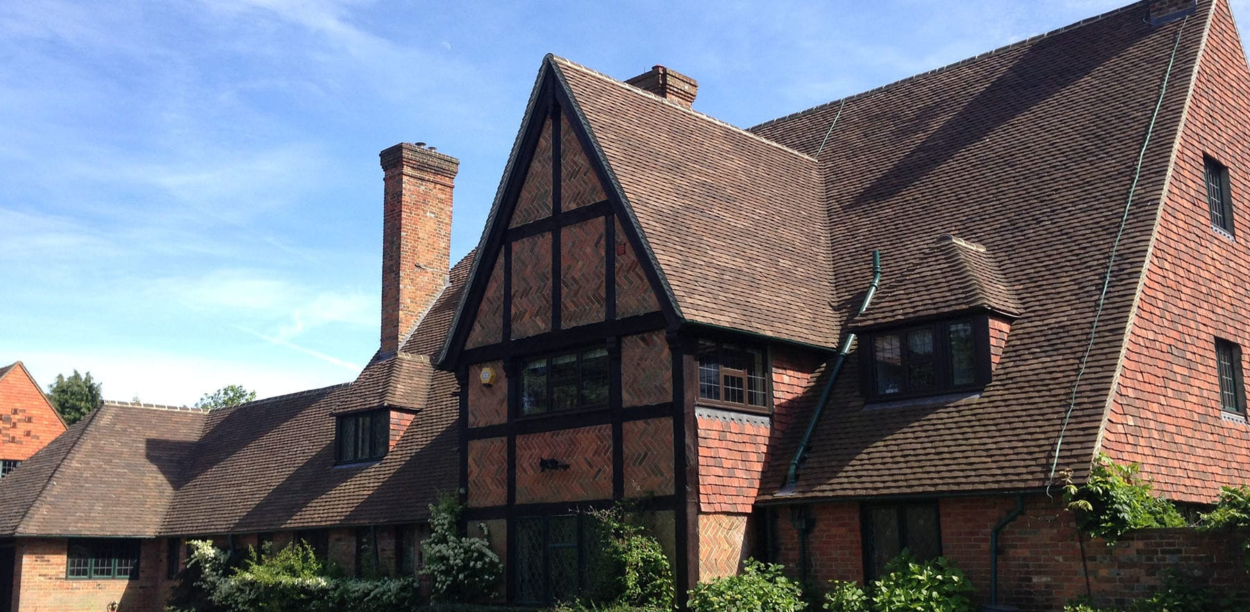 Lifestiles - Handmade Restoration Clay Roof Tiles - Poisenesters, England 4
