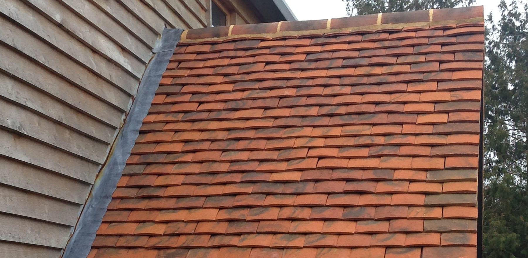 Lifestiles - Handmade Berkshire Clay Roof Tiles - Hartwood Oak, England 3