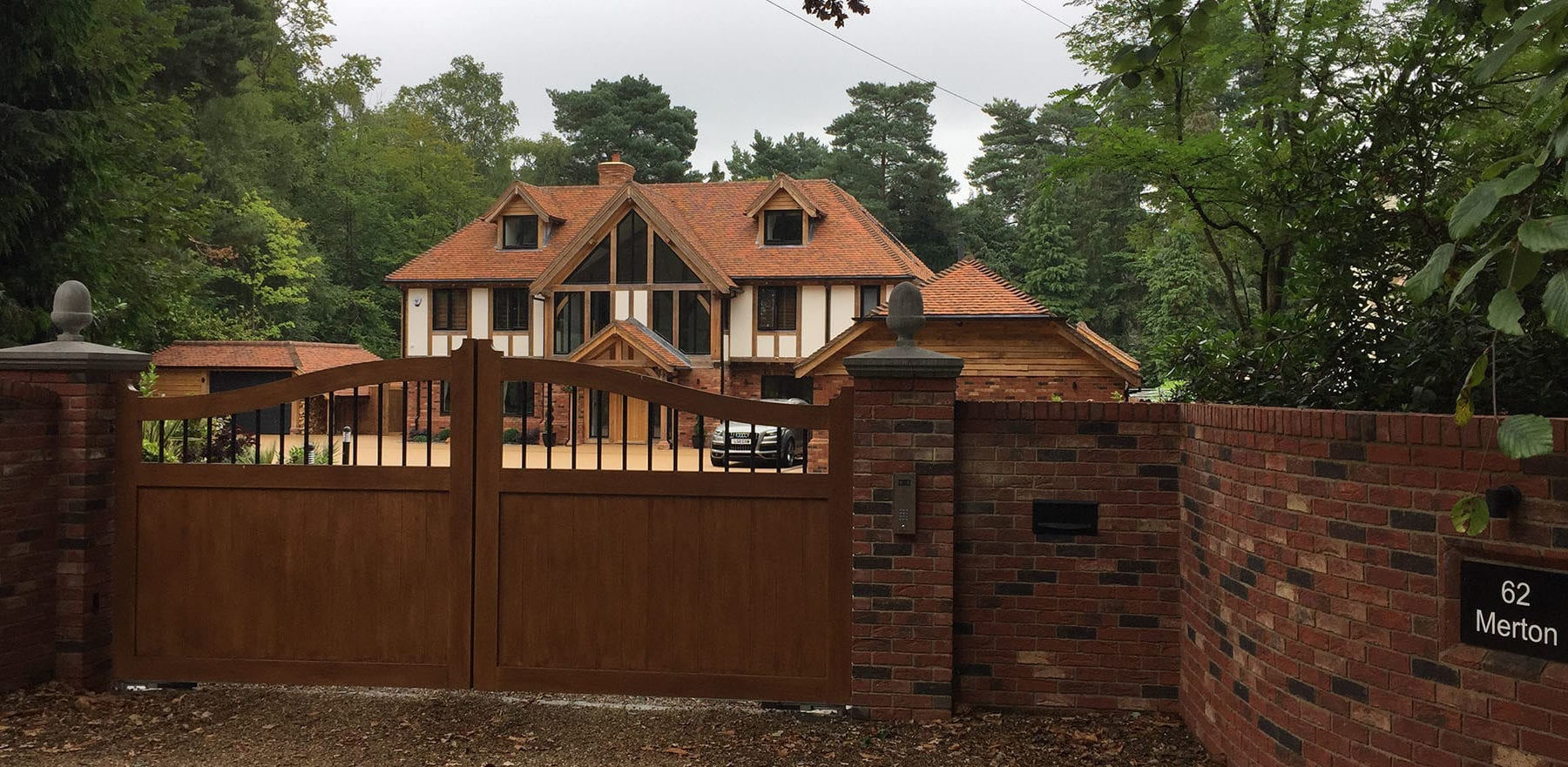 Lifestiles - Handmade Berkshire Clay Roof Tiles - Crowthorne, England 5