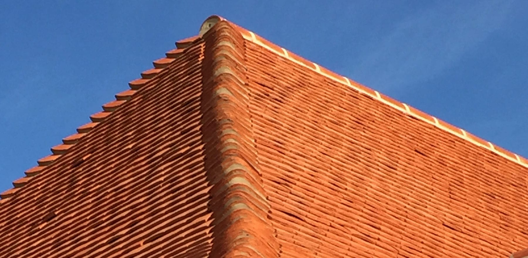 Lifestiles - Handcrafted Pentlow Clay Roof Tiles - Petersfield, England 6